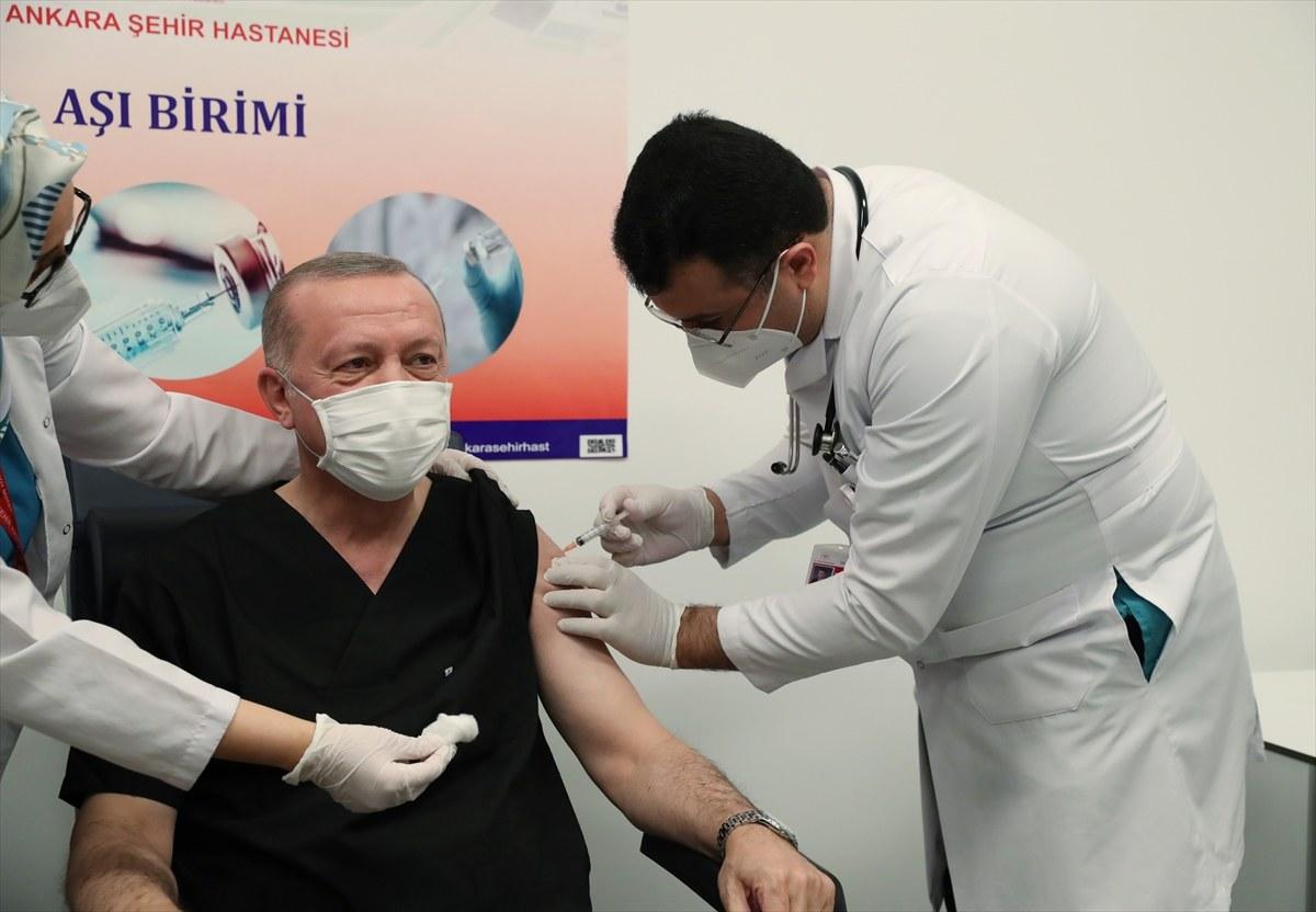 CumhurbaşkanıErdoğan, Kovid-19 aşısı yaptırdı