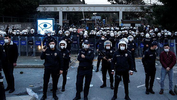 Boğaziçi Üniversitesi önündeki gösterilere ilişkin 17 kişi gözaltına alındı