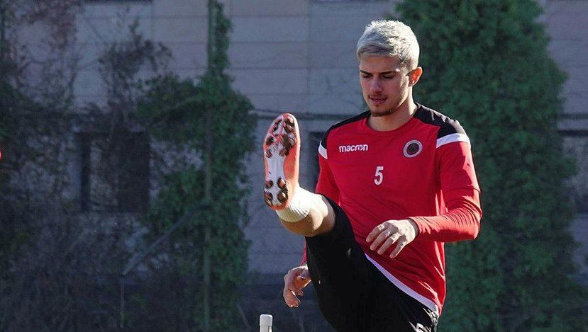 Trabzonspor, Berat Özdemir ile 4,5 yıllık anlaşma sağladı