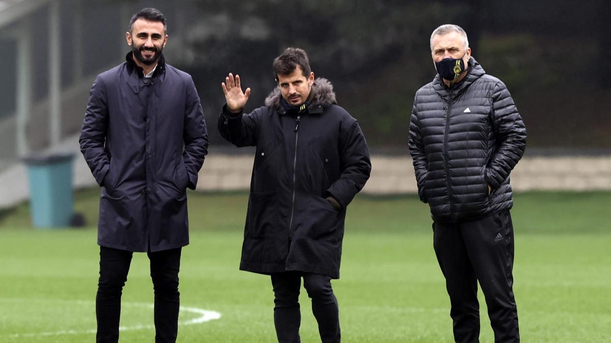 Emre Belözoğlu: Mesut Özil'le anlaşmaya yakın olduklarını söyledi