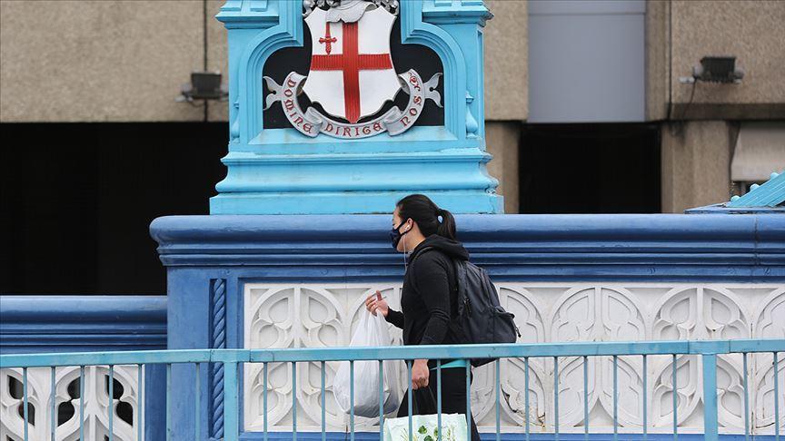 İngiltere yurtdışından gelen vatandaşlarını 10 gün karantinaya alacak