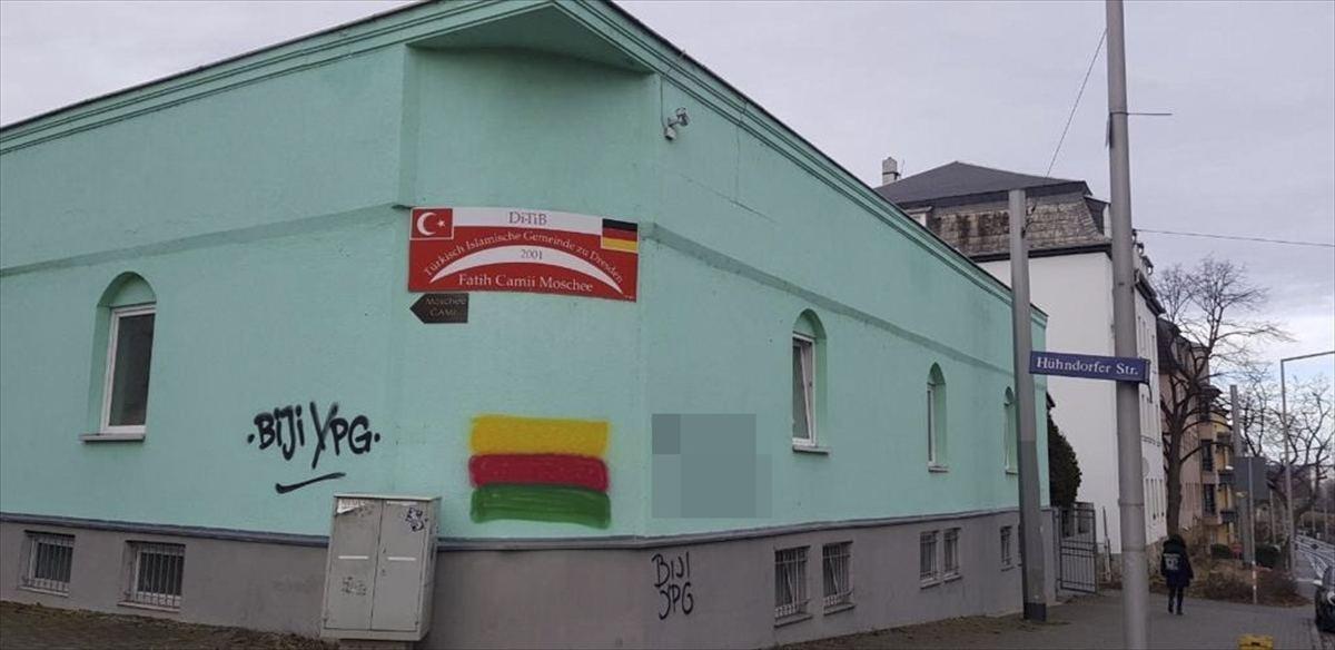 PKK'dan Almanya'da camiye boyalı saldırı