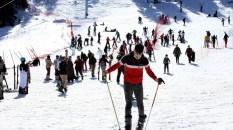Ilgaz Kayak Merkezi'nde hafta sonu yoğunluğu