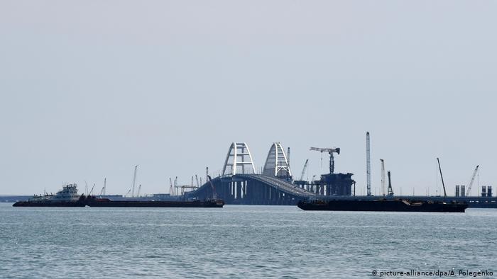 Kerç Boğazı'nda Türk şirketine ait geminin mürettebatı gıdadan zehirlendi, 1 Türk öldü