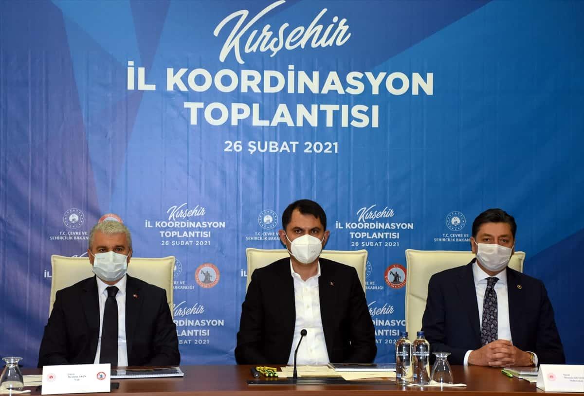 Bakan kurum İstanbul'da yeniden çöp dağları oluşmaya başladı