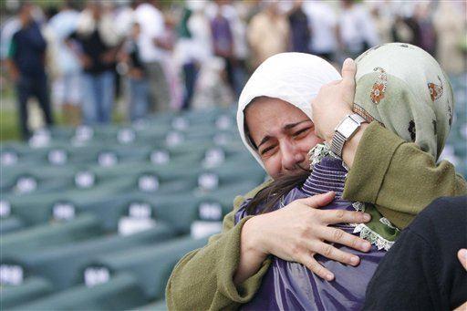 Srebrenitsa'da Boşnak adayı destekleyen partiler yenilenecek seçimi boykot kararı aldı