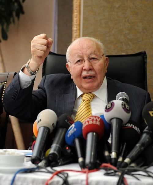 """Türk siyasetinin """"Erbakan Hoca""""sı vefatının 10'uncu yılında anılıyor"""