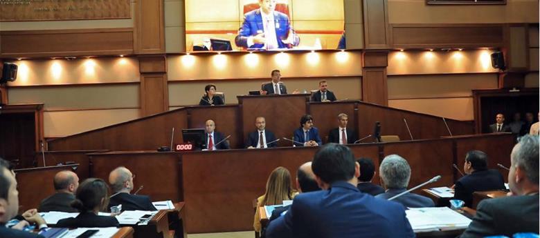 İstanbul Büyükşehir Belediye Meclisi'nde kadrolaşma tartışması
