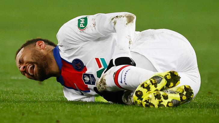 PSG'nin yıldız futbolcusu Neymar sahalardan 4 hafta uzak kalacak