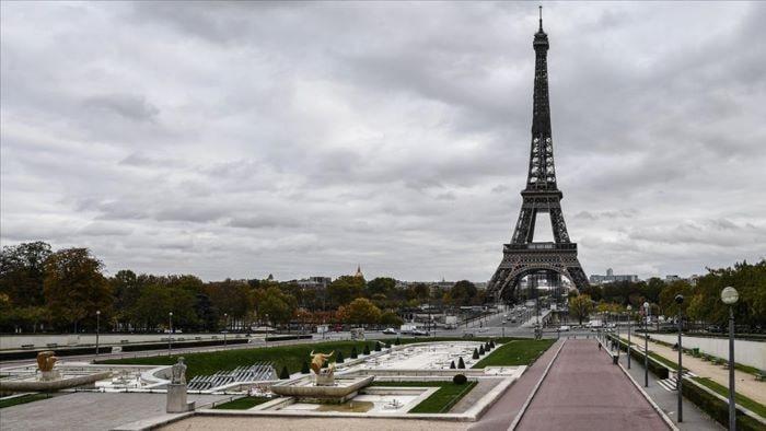 Fransa'da Kovid-19 nedeniyle sokağa çıkma kısıtlaması uygulanacak