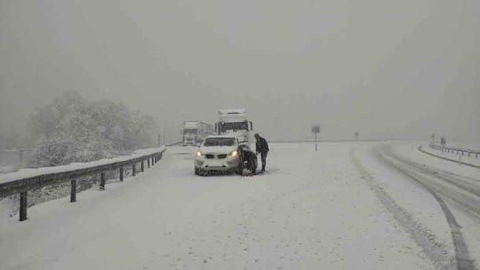 Kar yağışı nedeniyle Konya'da trafikte aksamalar oldu