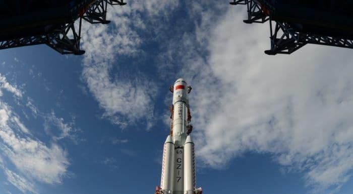 Çin, Long March 7A'yı uzaya fırlattı