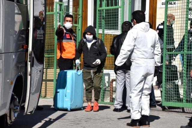 Muğla'da izolasyonu ihlal edenler yurtta karantinaya alınacak