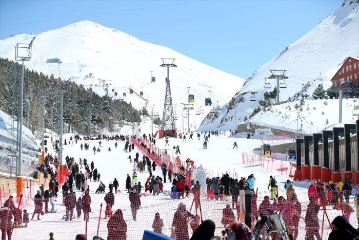 Palandöken Kayak Merkezi sezonu uzattı