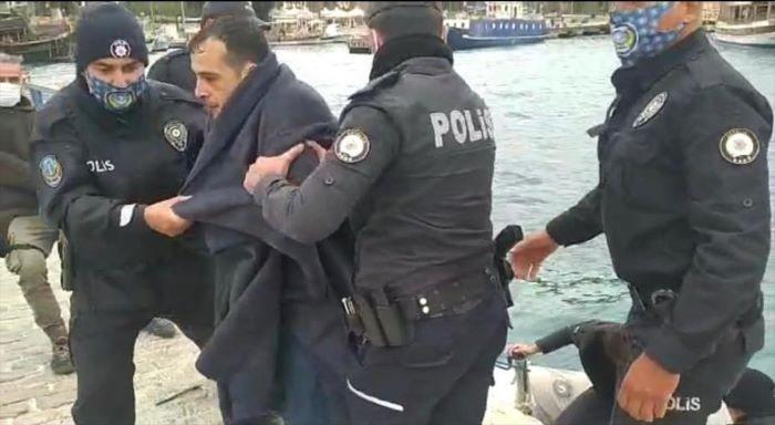 Antalya'da falezlerden denize düşen kişi kurtarıldı