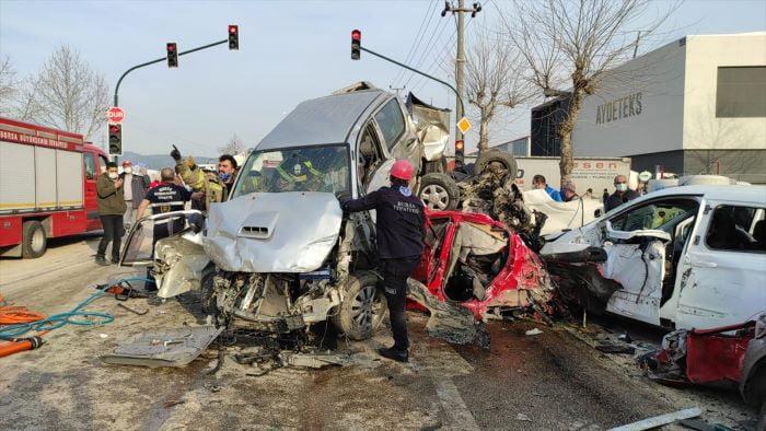 Bursa-Ankara kara yolunda zincirleme trafik kazası
