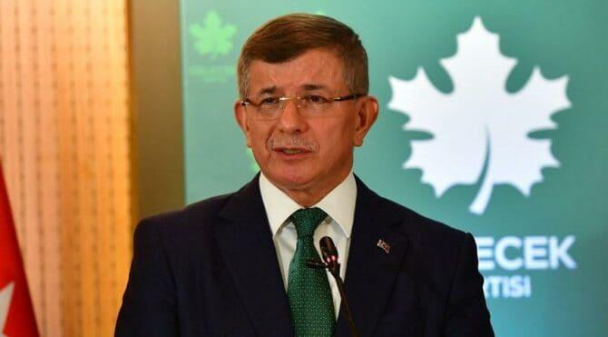 Ahmet Davutoğlu'ndan 'parti kapatma' yorumu