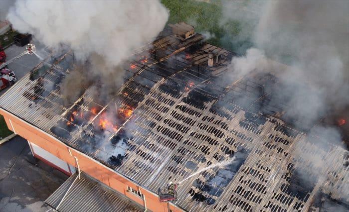 Denizli'de tekstil fabrikasında yangın çıktı