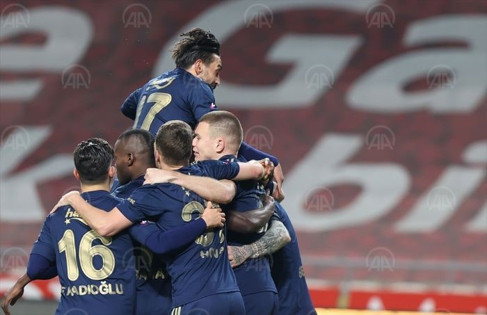 Fenerbahçe, Konya'da kendine geldi