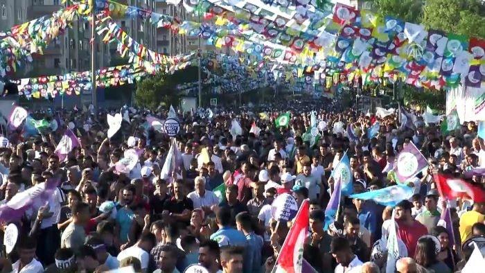 HDP'nin Diyarbakır mitinginde terör propagandası