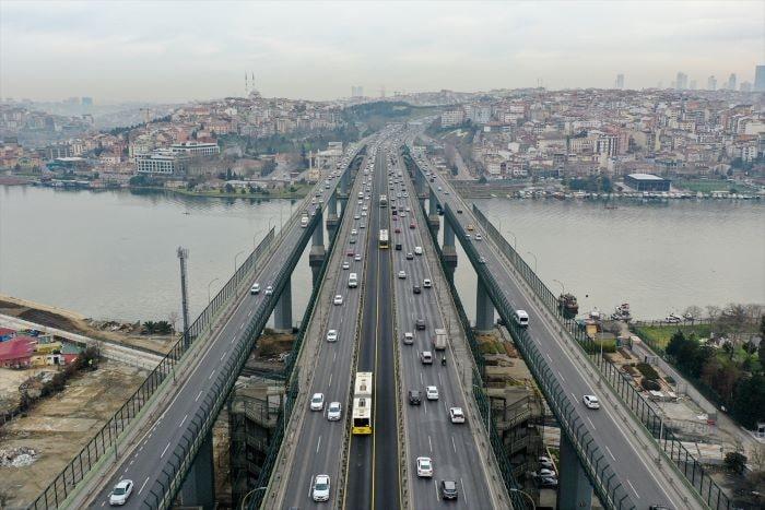 """İstanbul'da """"kısıtlamasız"""" ilk cumartesi günü"""