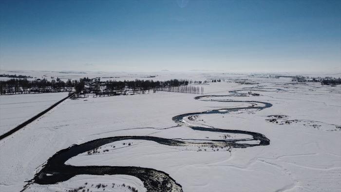 Kars'ın beyaza boyanan menderesleri