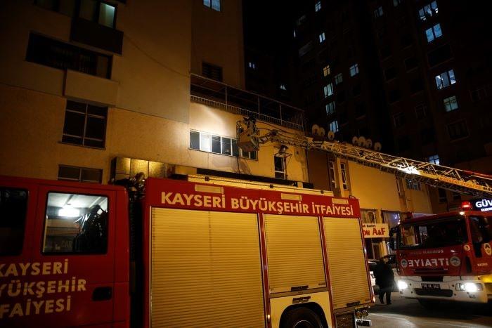 Kayseri'de iş merkezinde çıkan yangın söndürüldü