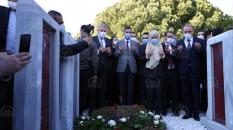 Meral Akşener, Şehitler Abidesi'nde dua etti