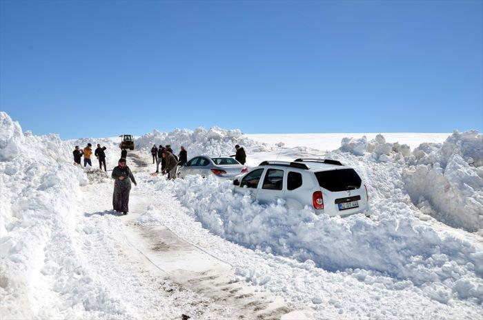 Muş'ta kar ve tipi nedeniyle mahsur kalanlar kurtarıldı