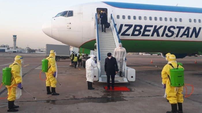 Özbekistan sınır kapılarındaki zorunlu kovid-19 testini kaldırdı