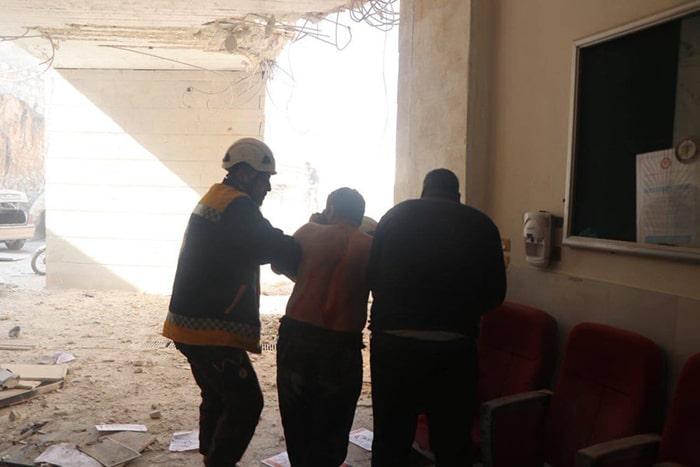 Esed güçlerinden İdlib'te hastane katliamı