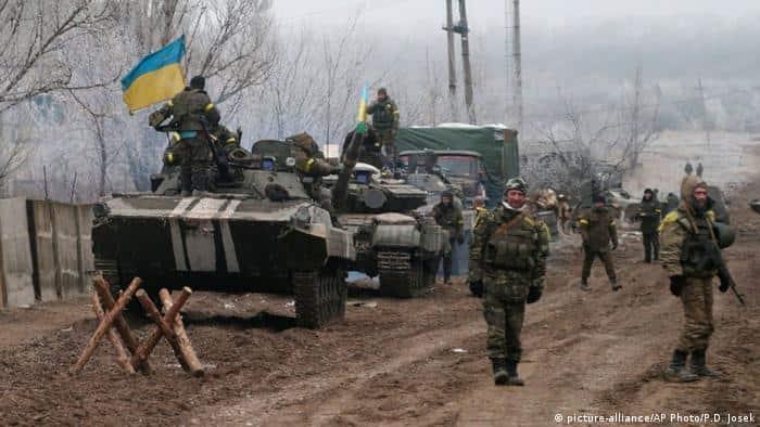 Ukrayna'nın Donbas bölgesinde 2 Ukrayna askeri öldürüldü