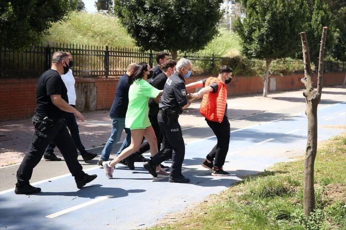 Adana'da alkollü sürücüye Kovid-19 ihlal cezası