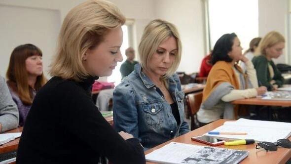 Antalya'da yaşayan yabancılar Türkçe öğreniyor
