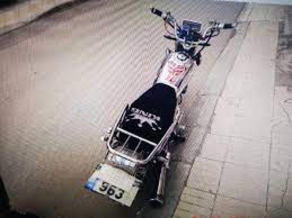 Motosikletinin plakasını maskeyle kapatan kişiye para cezası