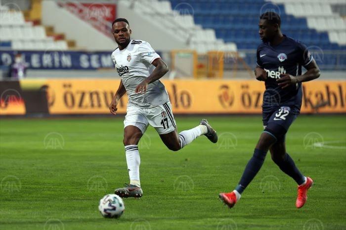 Kasımpaşa: 1 Beşiktaş: 0 (ilk yarı)