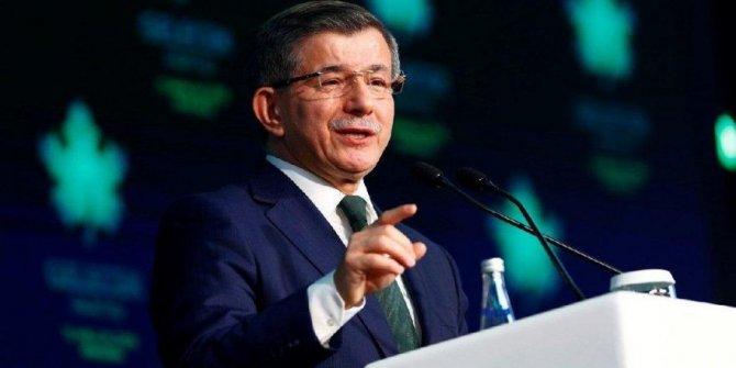 Davutoğlu: Parti kapatmaya karşıyız