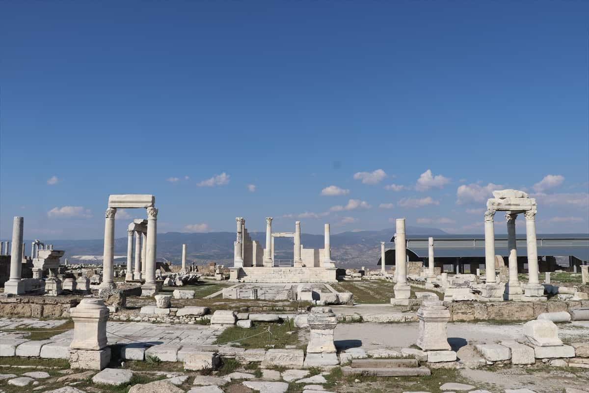 Ege'nin görkemli antik kentleri