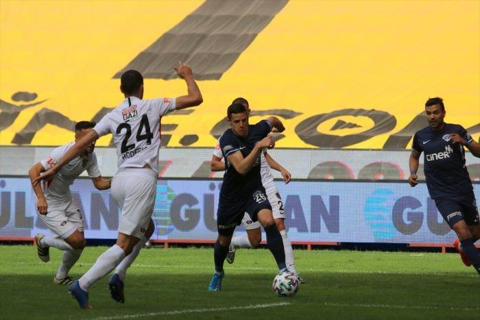 Gaziantep ile Kasımpaşa 2-2 berabere kaldı