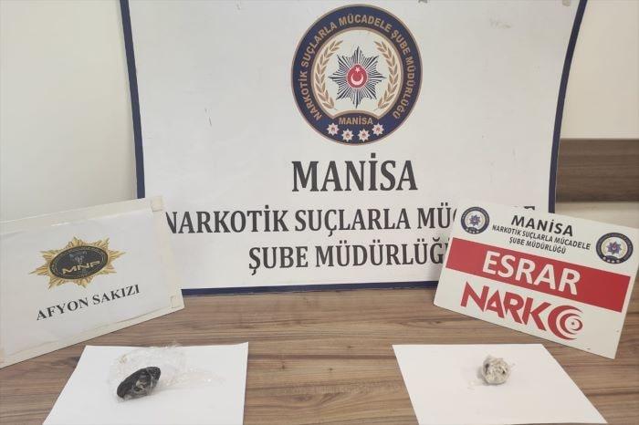 Manisa'da durdurulan araçta uyuşturucu yakalandı