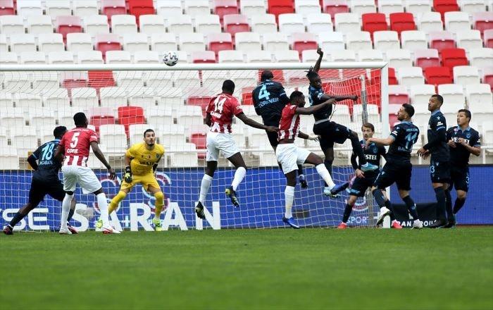 Trabzonspor Sivasspor'la berabere kaldı