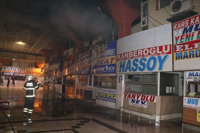 Adana'da otogarda yangın