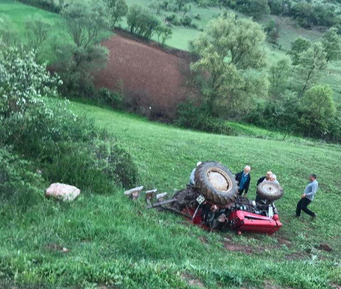 Balıkesir'de traktörün altında kalan sürücü öldü