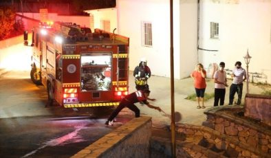 Bodrum Vergi Dairesinde çıkan yangın söndürüldü
