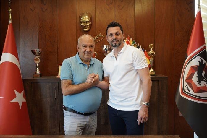 Gaziantep,Erol Bulut ile 3 yıllık sözleşme imzaladı