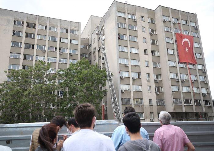 İstanbul Tıp Fakültesinde yangın