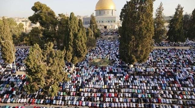 Yüz binler bayram namazında Mescid-i Aksa'daydı