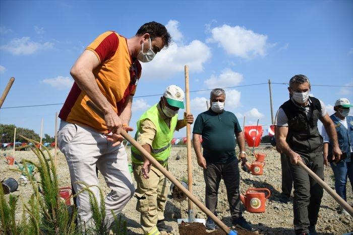 Adana'da Fatih Terim Hatıra Ormanı'na fidan dikildi