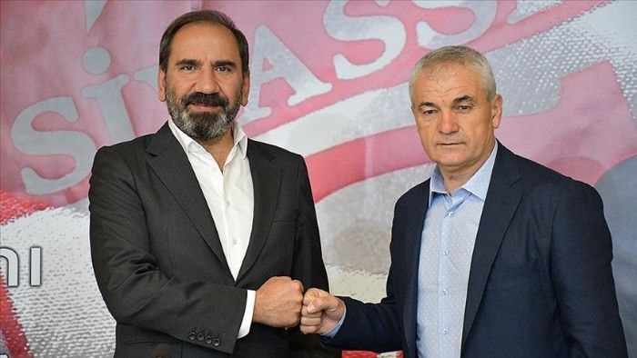 Sivasspor, Rıza Çalımbay ile 1 yıllık sözleşme imzaladı