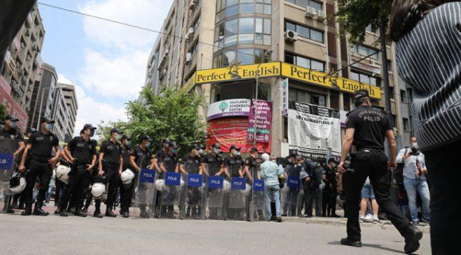 HDP İzmir İl Başkanlığı'ndaki silahlı saldırıda bir kişi hayatını kaybetti